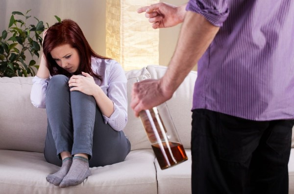 Как происходит лечение от алкоголизма?