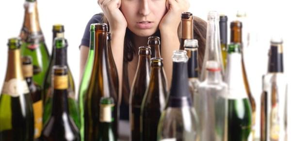 Как вывести из запоя в домашних условиях?